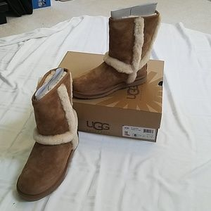 Ugg Carter Boots